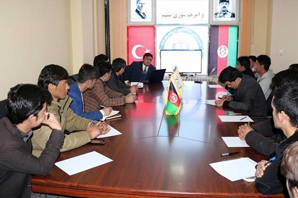 Afganistan Türkiye Mezunları Derneği'nde Türkiye Bursları Tanıtımı Yapıldı