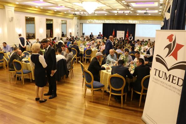 Arnavutluk'taki Türkiye Mezunları İftar Programında Bir Araya Geldi