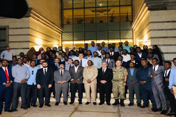 Somali'deki Türkiye Mezunları İftar Programında Bir Araya Geldi