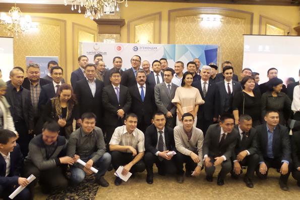 Kırgızistan'da Çalışma Ziyaretinde Bulunan YTB, Türkiye Mezunları İle Bir Araya Geldi