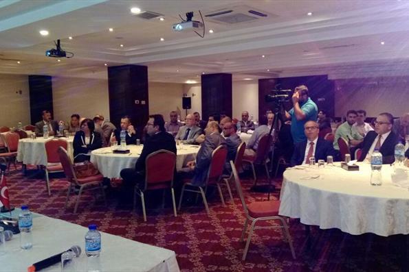 Türkiye'de Eğitim Görmüş Filistinliler, YTB'nin Mezun Buluşması Etkinliğinde Buluştu