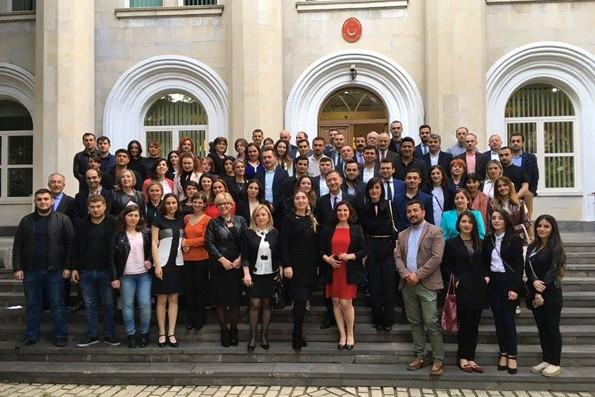 Gürcistan Türkiye Mezunları Buluşması Büyükelçilik Binasında Verilen Bir Resepsiyonla Gerçekleştirildi