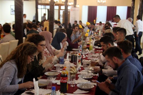 Sırbistanlı Türkiye Mezunları İftarda Buluştu