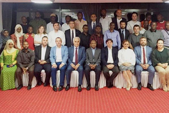 YTB, Tanzanya'da Türkiye Mezunlarını Buluşturdu